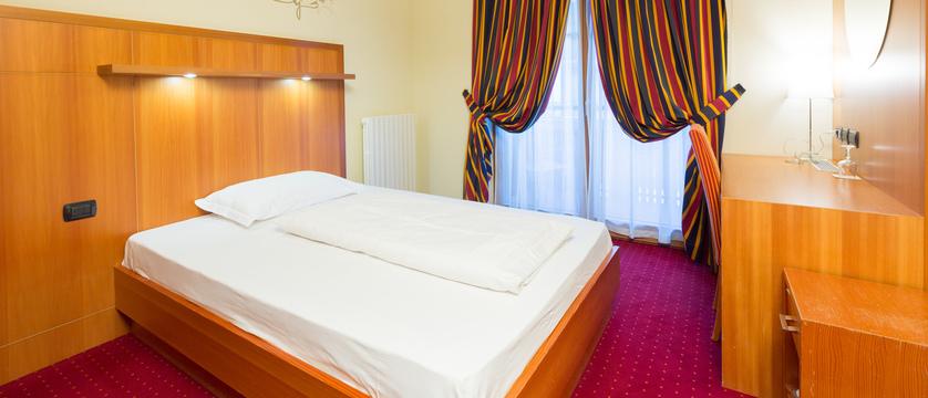 italy_livigno_hotel-touring_single-room.jpg